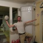 Lukas, un cycliste finlandais qui a déjà parcouru le monde sur son deux roues nous accueillent plusieurs nuits à Turku ! Soirées aux poils !!!
