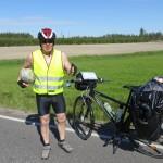 Nous croisons Esa, cycliste finlandais en route pour l'Allemagne, au milieu de la pampa.. seulement quelques minutes d'échanges mais déjà une belle rencontre