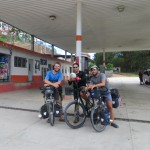 Arturo nous accompagne de bon matin sur les premiers kilomètres de l'étape, après nous avoir hébergés une nuit à Huehuetenango, Guatemala.