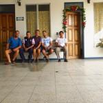 Escale a la croix rouge de San Rafael de Guatuso ou Esteban et son compagnon nous offrent diner et petit dejeuner...notre premier Gallo Pinto !