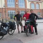 Axel partage une journée de route avec nous, un an en Europe en vélo l'attend