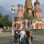 Un bon moment d'echange avec l'equipe de Save Rosia Montana sur la Place Rouge