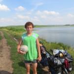Jeune russe qui nous aide a trouver notre campement pour la nuit pres d'Oufa!!