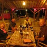 Nous partageons avec Christine et Bernard une excellente soiree sur le bord du golfe de Thailande
