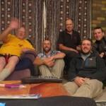 Tony nous accueille dans sa maison au Nord de Wellington. Nous passerons la nuit au chaud dans sa caravane. Parfait !!
