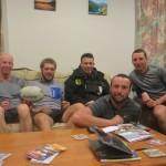 John et son Coloc nous recoivent deux jours sur Rotorua, Nouvelle-Zelande. Coco viendra meme y passer une troisieme nuit, s'apercevant 60km plus loin qu'il y oublie ses arceaux de tente !