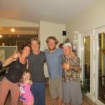 Amy, Philippe, leur enfants et Jacques invitent Clément pour une nuit. Au menu c'est poulet aux cèpes, ça régale !!